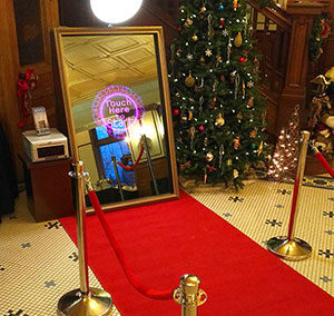 Mirror Booth Red Carpet - Christmas Selkirk